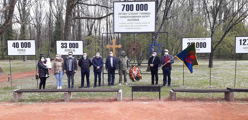 Vučic i Porfirije najavili izgradnju svesrpskog svetilišta u Jasenovcu - Page 2 Romi11